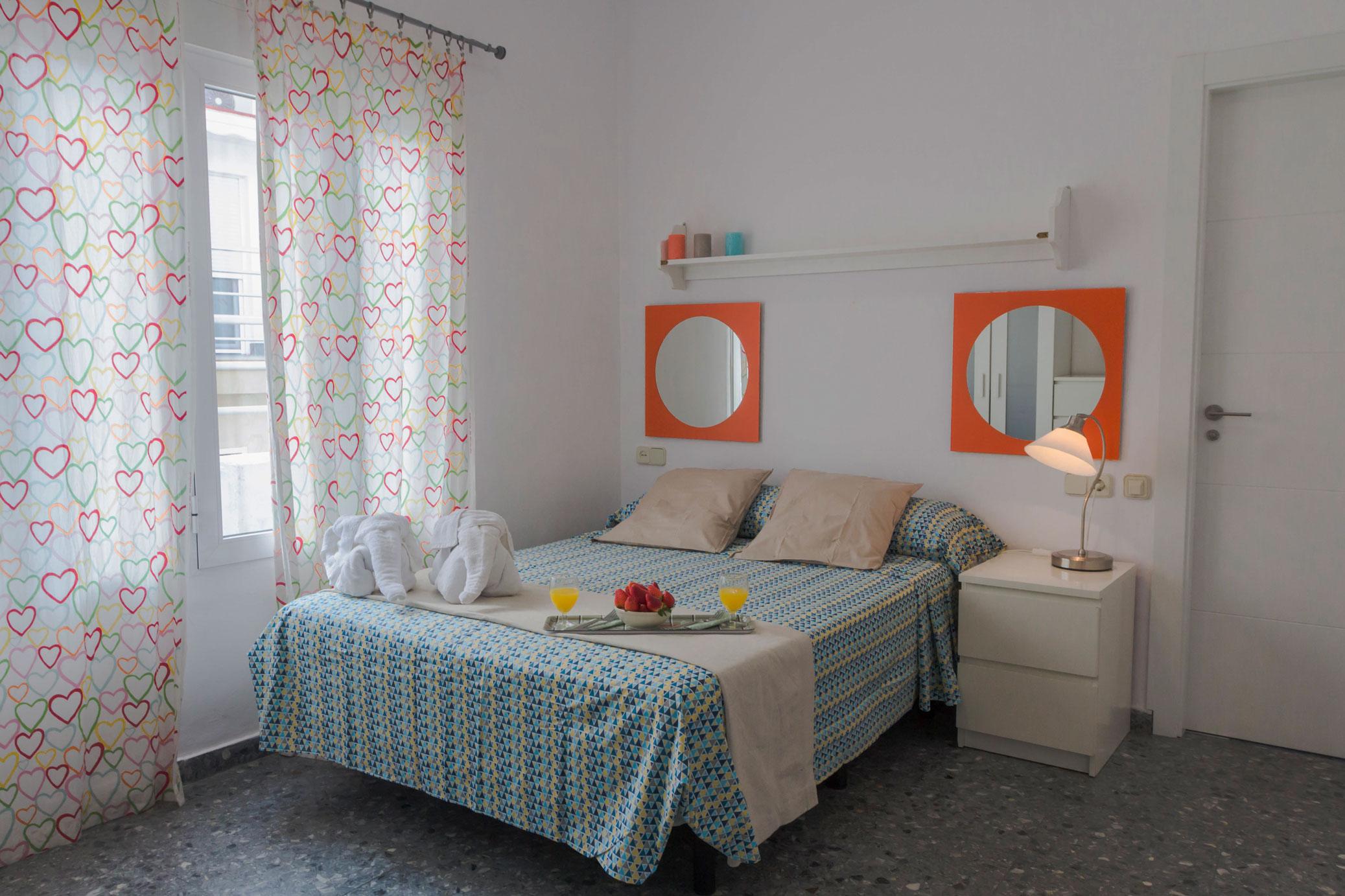 Web oficial de apartamentos marqu s de guadiaro y mar y for Dormitorio 12 metros cuadrados
